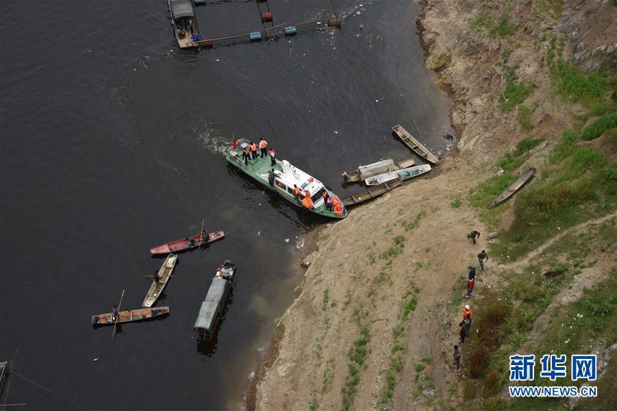 (突發事件)(3)貴州一客車翻車墜河 已造成10人死亡