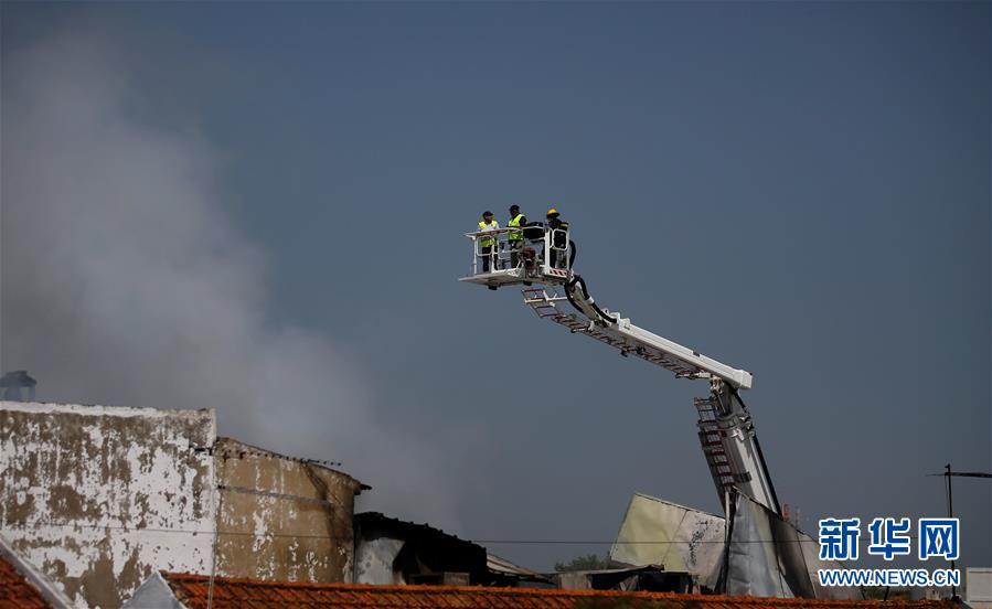 (外代一線)(2)葡萄牙一小型飛機墜毀致5人死亡