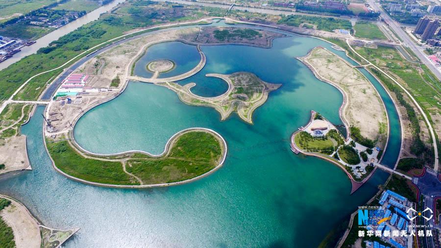 """据奉贤新城工作人员介绍,该风景区由国际规划设计大师,迪拜""""棕榈岛""""主"""