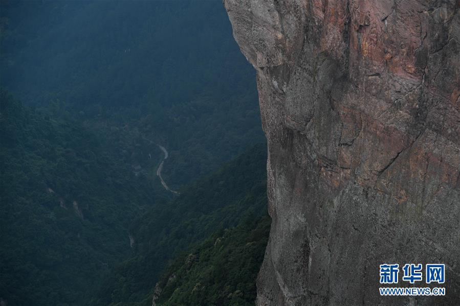 这是浙江省台州市仙居县神仙居风景区美景(9月13日摄).