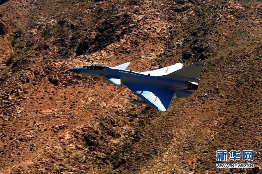 (圖文互動)(2)中國空軍殲-10C戰機擔負戰鬥值班任務