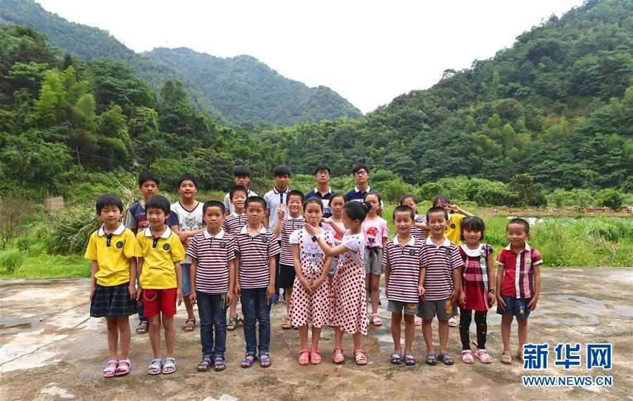 """(社會)(1)""""雙胞胎村""""的快樂童年"""