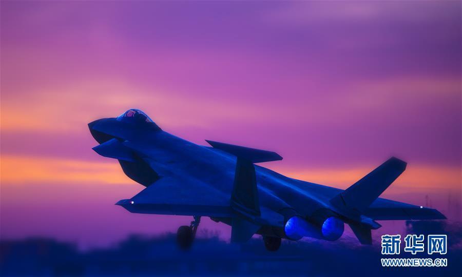 (圖文互動)(2)空軍首支殲-20部隊開展多型新機編隊協同戰術訓練