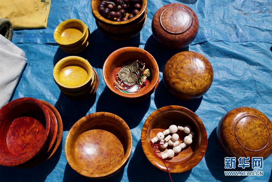 (經濟)(6)西藏:雪山腳下的中尼帳篷邊貿市場