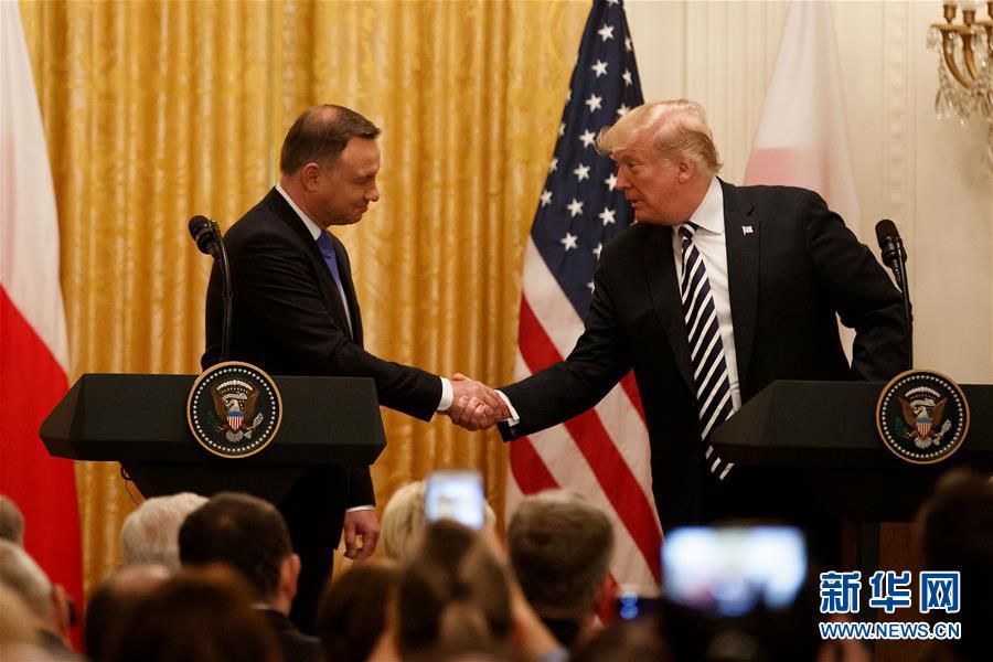 """(國際)(1)特朗普稱會""""認真考慮""""在波蘭設立美軍永久基地的提議"""