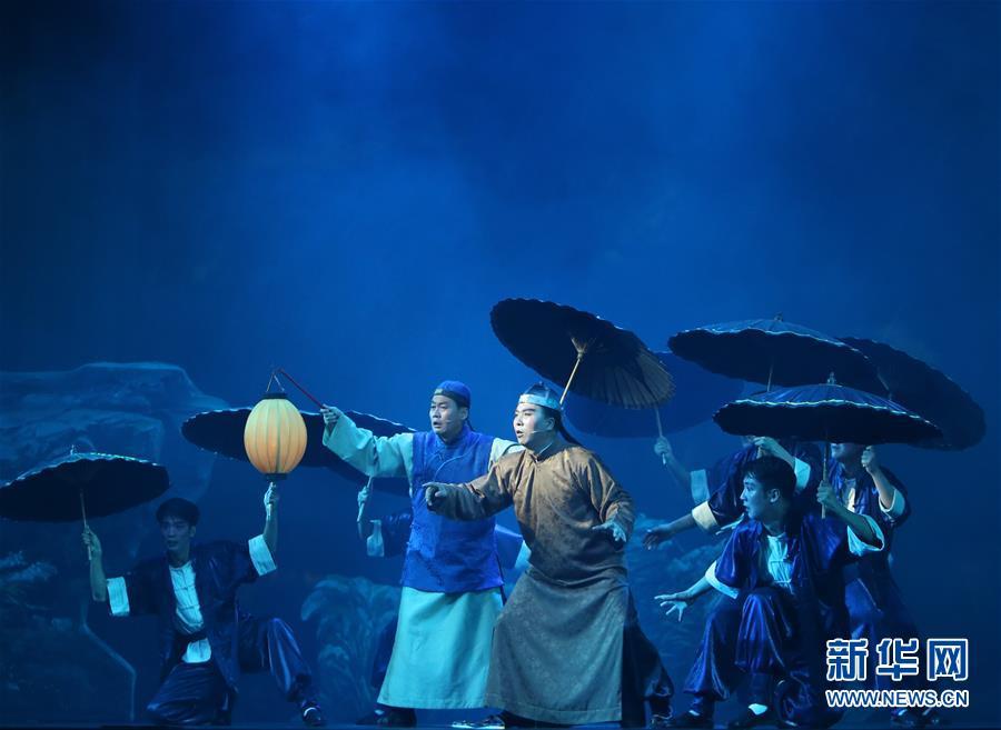 (国际)(2)朝鲜版歌剧《白毛女》在平壤上演