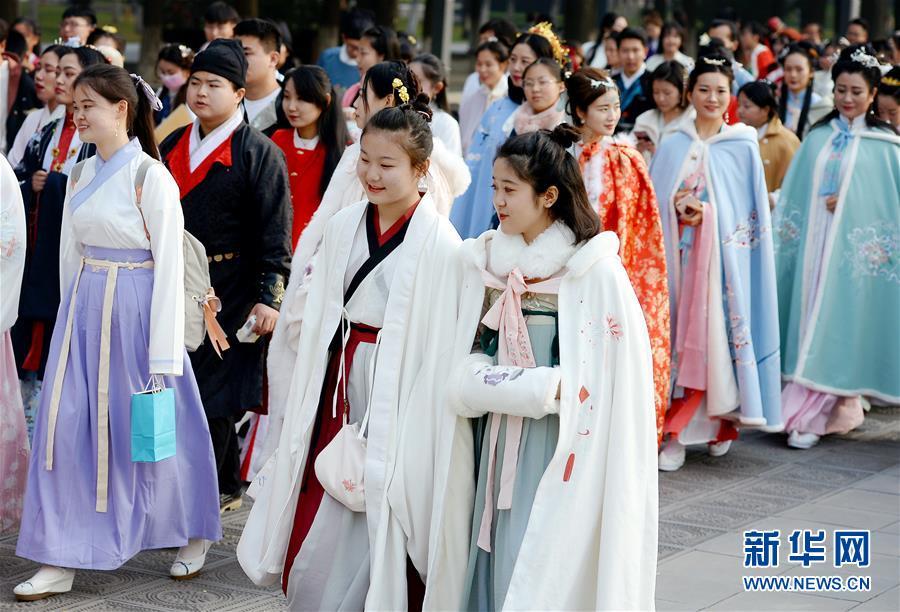 (文化)(1)西安:漢服巡遊展示傳統文化