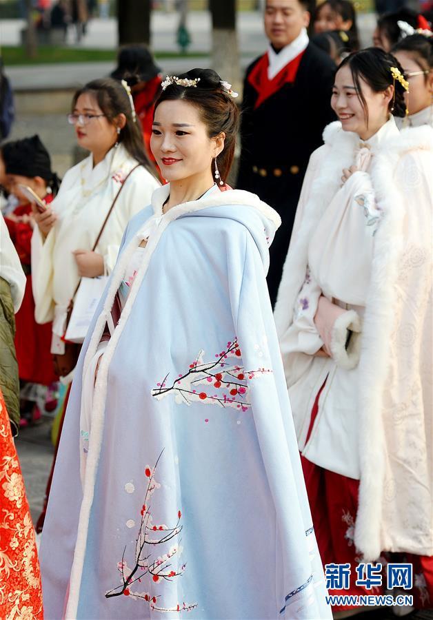 (文化)(4)西安:漢服巡遊展示傳統文化