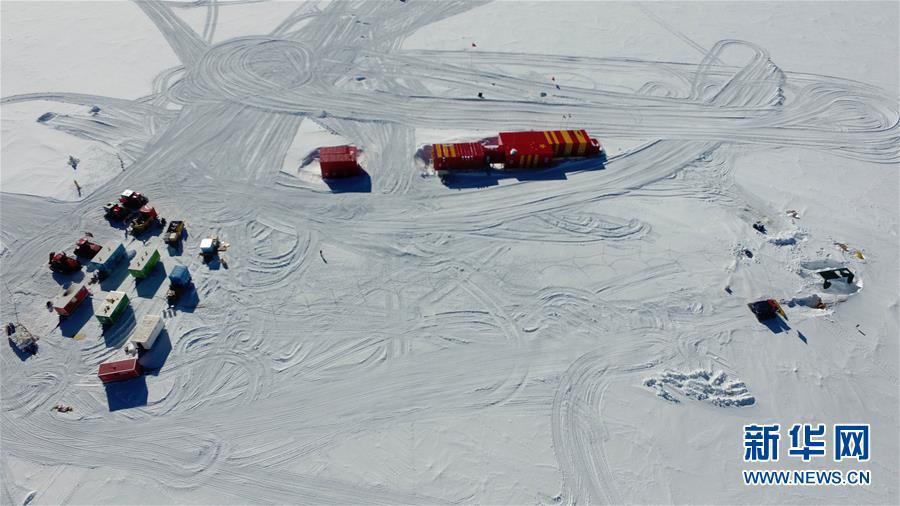 """(""""雪龍""""探南極·圖文互動)(8)通訊:南極冰蓋之巔深冰芯房探秘"""