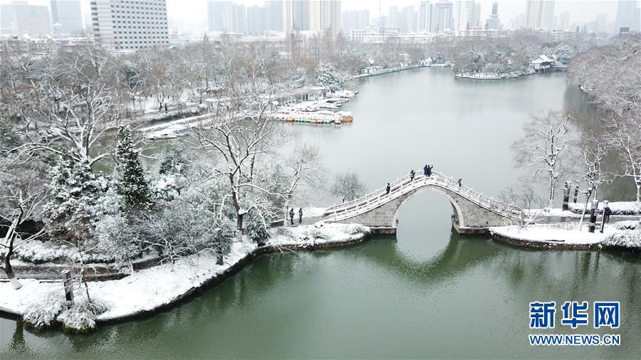 (社會)(1)雪落合肥景色美