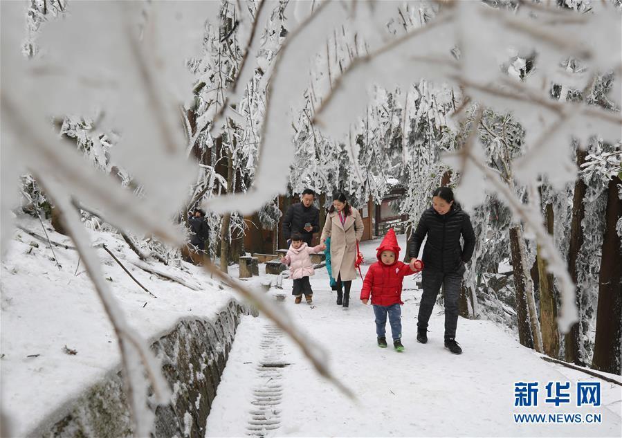 #(環境)(3)張家界迎降雪 景區銀裝素裹