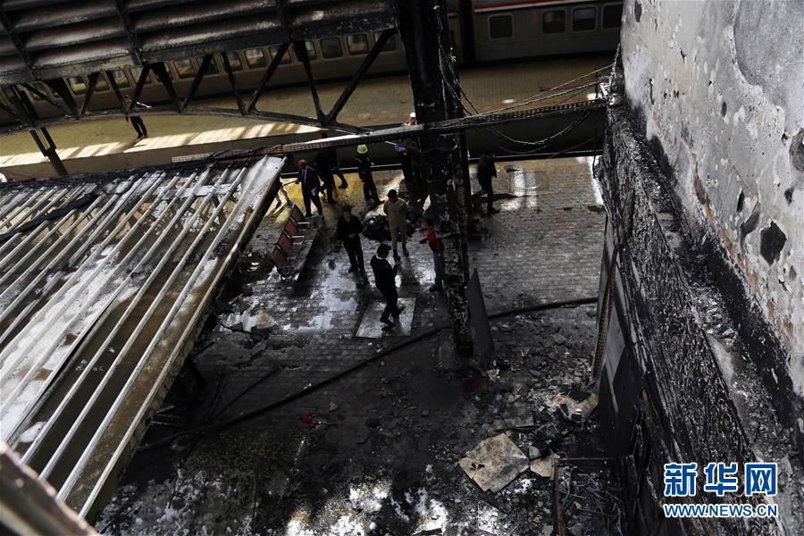 (國際)(1)埃及一火車站發生火災致重大人員傷亡