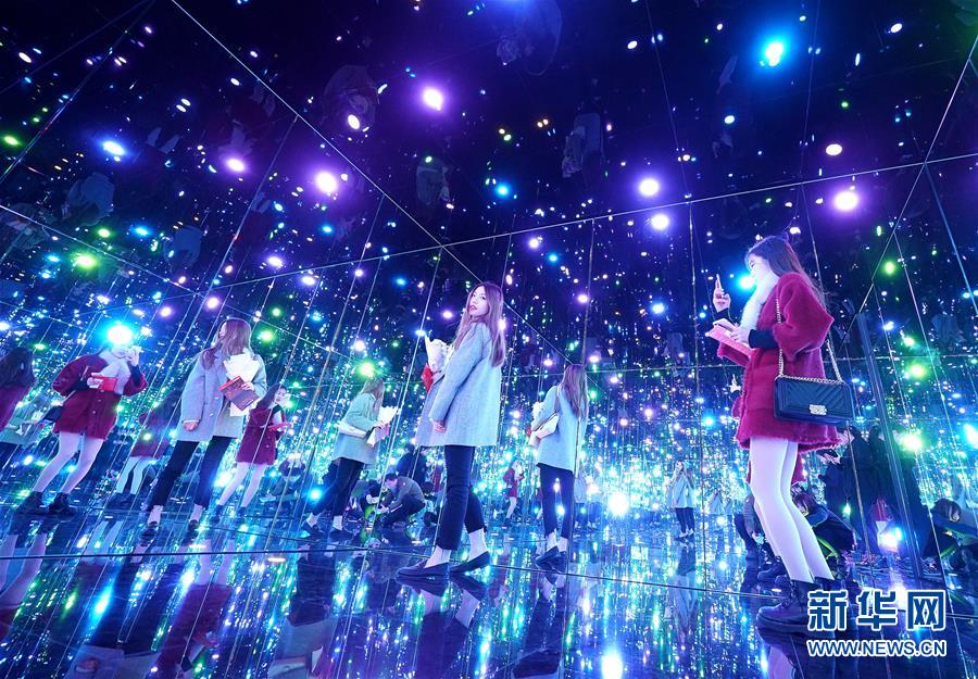 (XHDW)(1)上海舉辦日本藝術家草間彌生大展