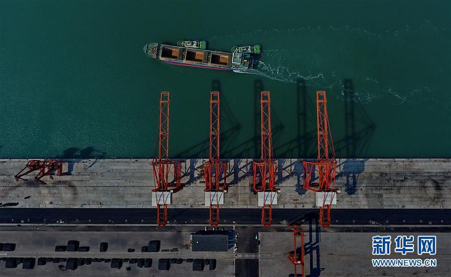 (經濟)(2)唐山港貨物吞吐量突破1億噸