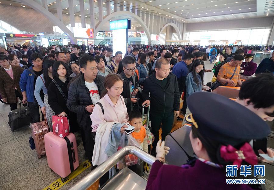 (社會)(1)全國鐵路迎來返程客流高峰