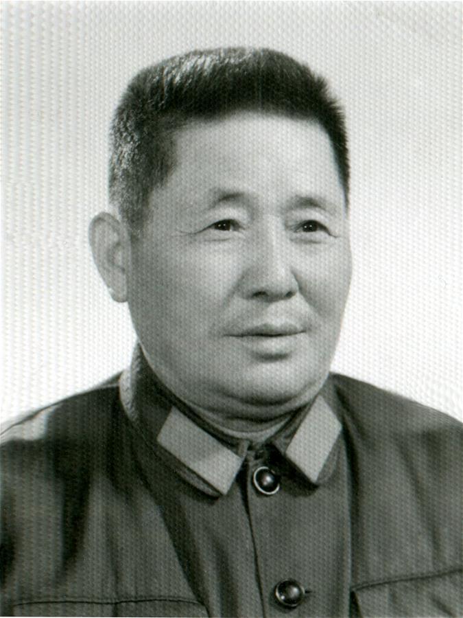 何林兆同志遺像