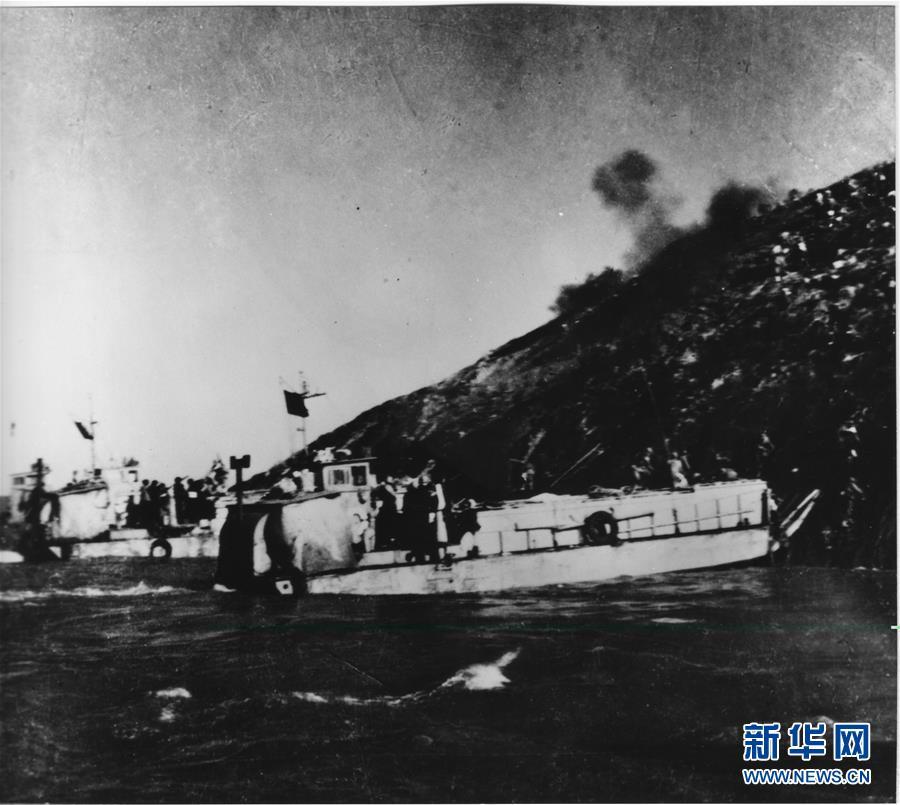 (人民海軍70年·新華全媒頭條·圖文互動)(2)向著深藍出發——獻給人民海軍成立70周年