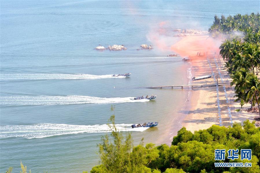 (人民海軍70年·新華全媒頭條·圖文互動)(9)向著深藍出發——獻給人民海軍成立70周年