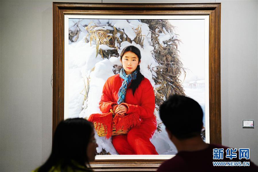 """(文化)(5)國際油畫展""""添彩""""中俄博覽會"""