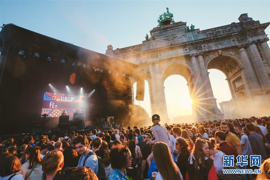 (國際)(1)比利時上演夏至音樂節
