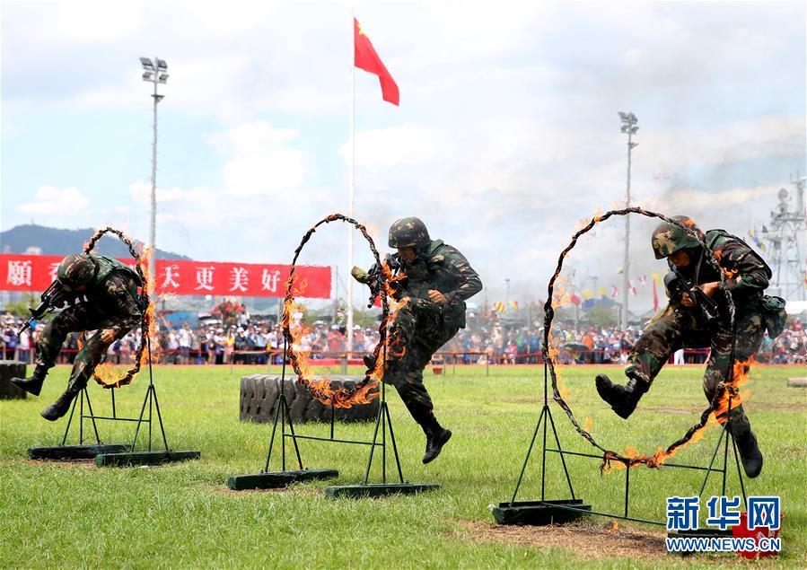 (圖文互動)(3)特寫:親身感受祖國的強盛——香港青年學生參訪駐港部隊海軍基地見聞