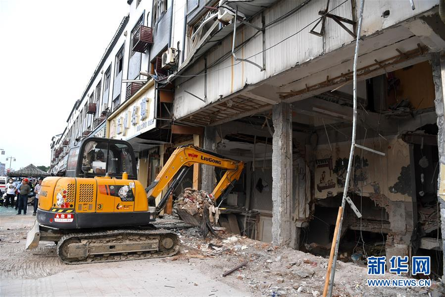 (新華網)(1)無錫錫山小吃店燃氣爆炸致6人死亡