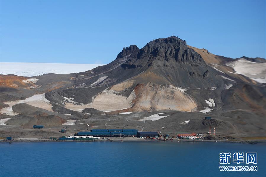 """(""""雪龍""""探南極·圖文互動)(1)中國南極考察隊拜訪巴西費拉茲站"""