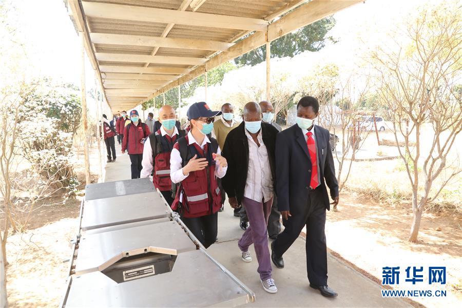 (国际)(4)中国抗疫专家组赴津巴布韦多地交流并捐赠医疗物资