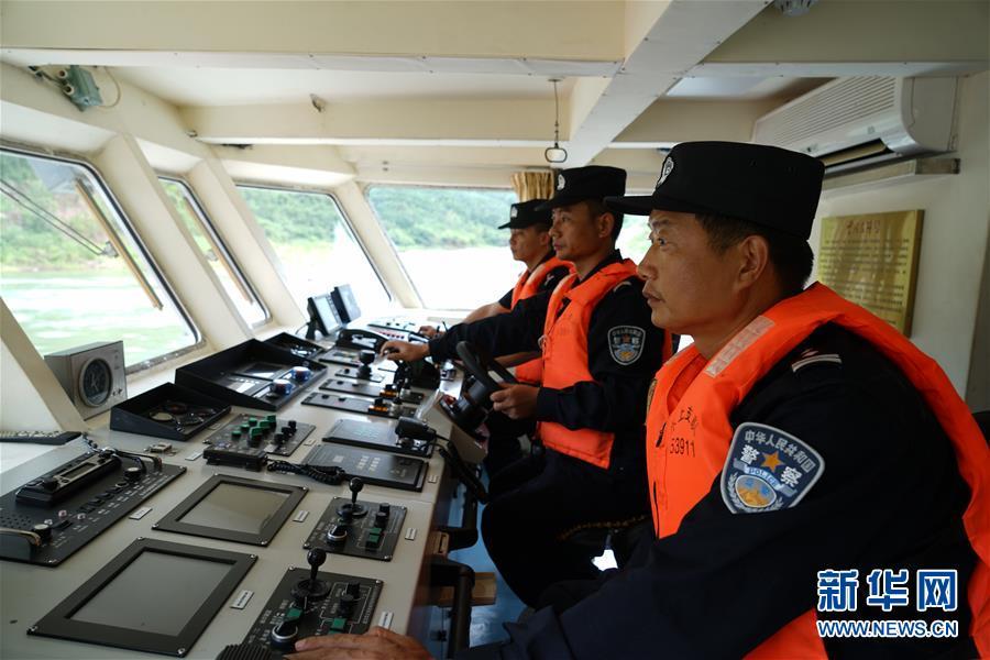 (XHDW)(2)西雙版納瀾滄江水域沉船確認24人落水 1人死亡、6人失蹤