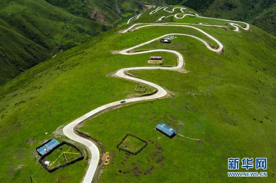 (圖文互動)(2)雪山草地展新貌——四川阿壩州脫貧奔小康紀實