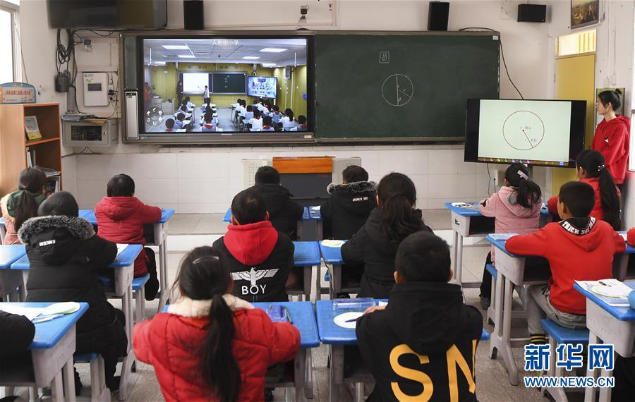 """(新華全媒頭條·圖文互動)(8)""""美麗的中國夢屬于你們""""——以習近平同志為核心的黨中央關心少年兒童工作紀實"""