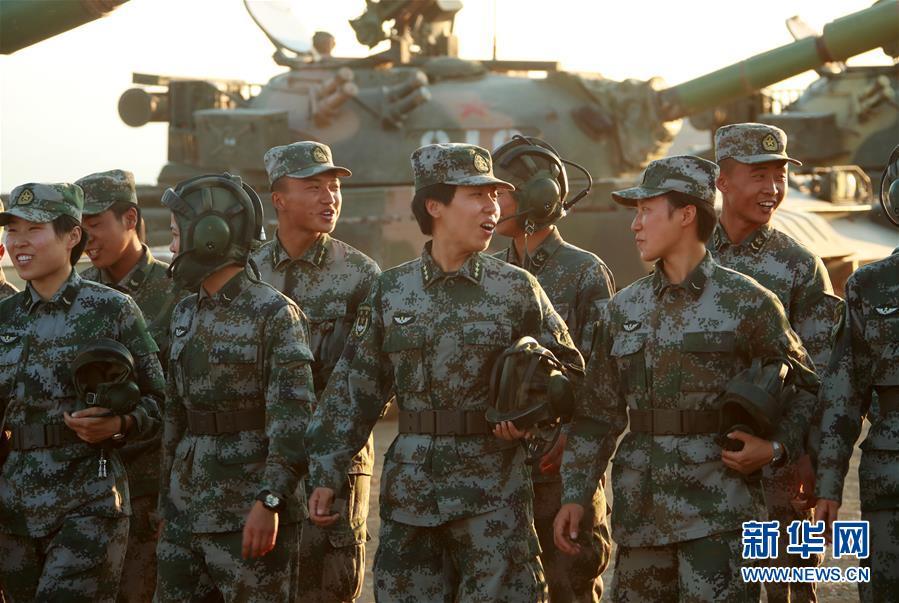 """(圖文互動)(5)邊疆軍營""""花木蘭""""——記""""最美新時代革命軍人""""馬和帕麗"""