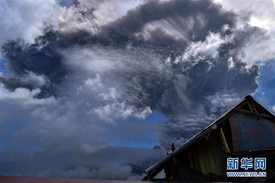 (國際)(1)印尼錫納朋火山噴發