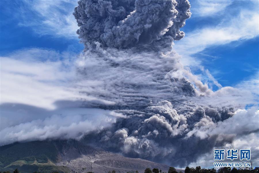 (國際)(2)印尼錫納朋火山噴發