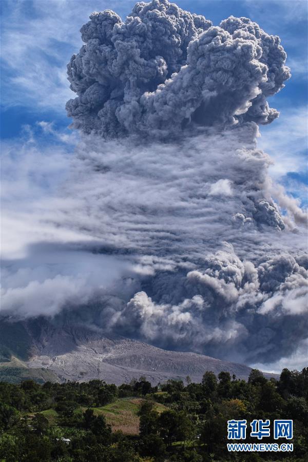(國際)(3)印尼錫納朋火山噴發