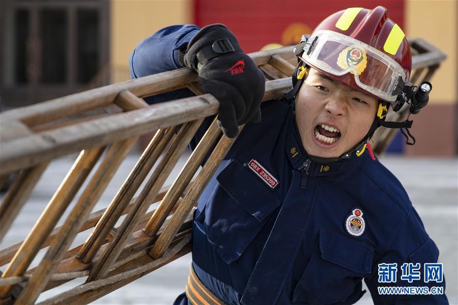 """(社會)(4)扎根漠河的""""北極消防員"""""""