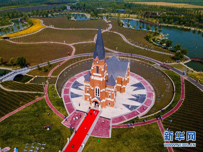 以运河厚重的文化内涵,优良的生态景观为基础,打造皖北旅游新高地.