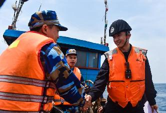 中越海警舉行2017年首次北部灣共同漁區海上聯合檢查