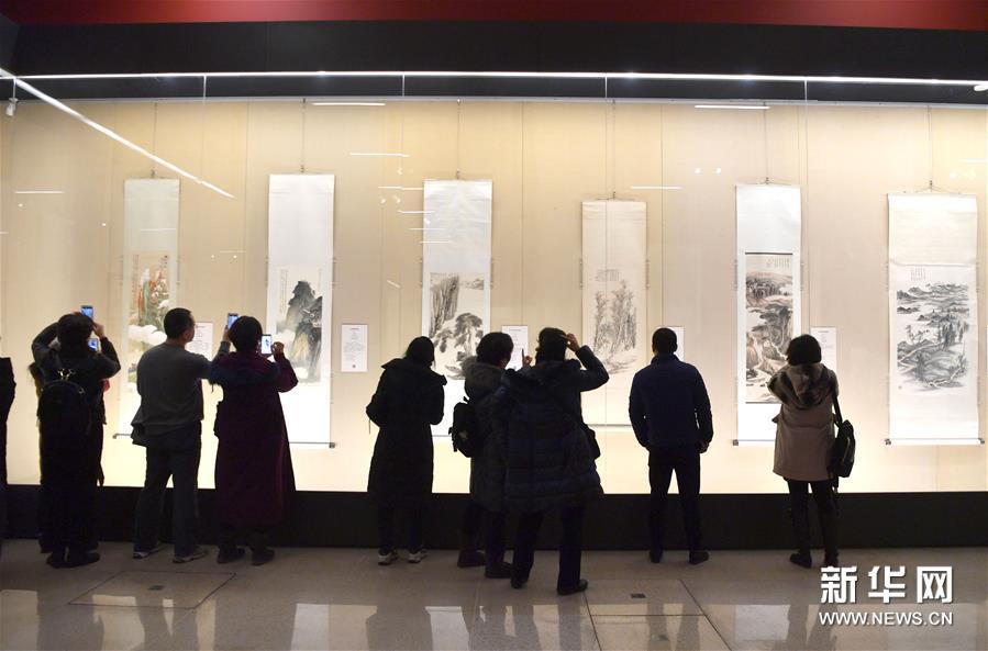 """(文化)(2)国博举办""""张大千艺术展"""""""