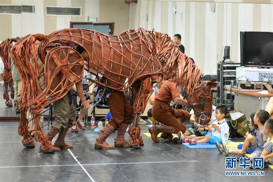 (文化)(3)舞臺劇《戰馬》中文版即將展開第三輪演出