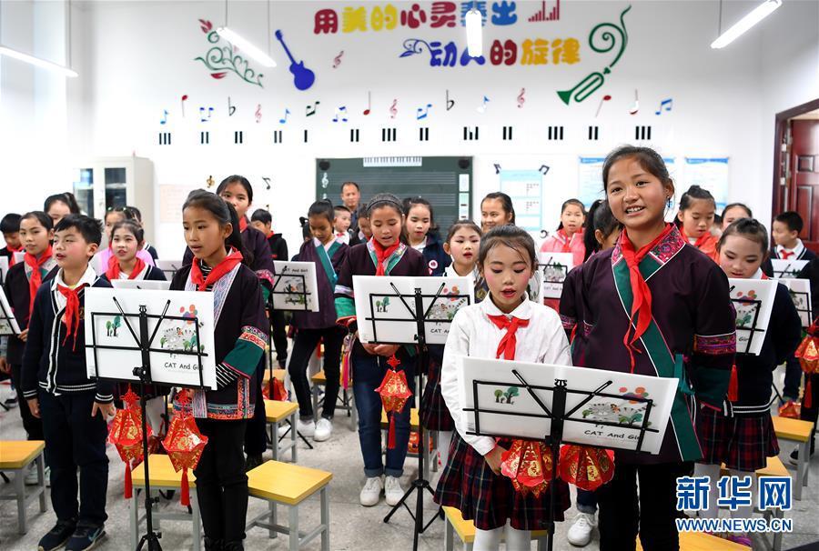柳州广西:大山v城市城市小学圆梦趣事的儿童图片