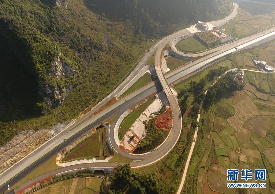 (社会)(5)中越边境靖西至龙邦高速公路预计年底通车