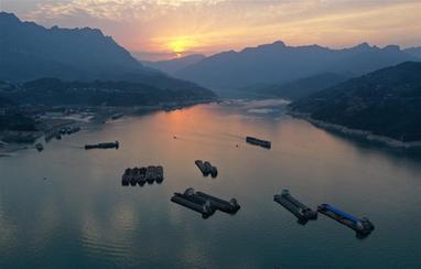 三峽水庫持續騰庫防汛