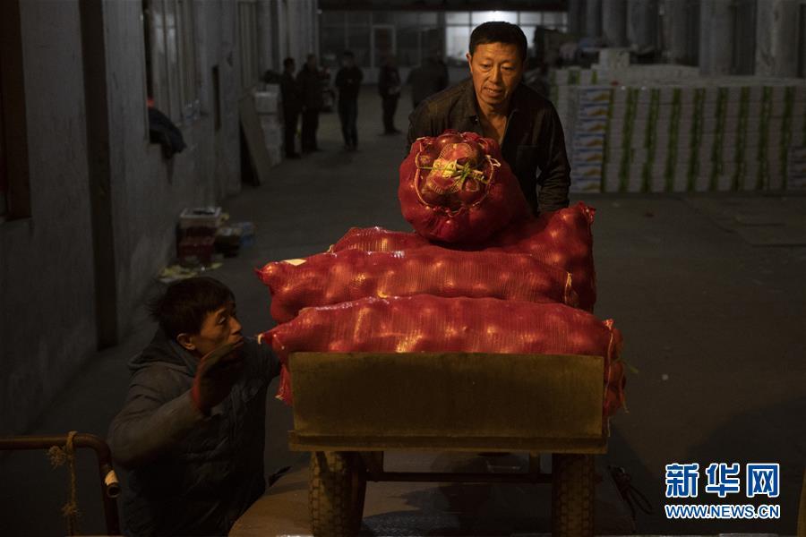 (经济)(1)黑龙江绥芬河:对俄果蔬出口忙