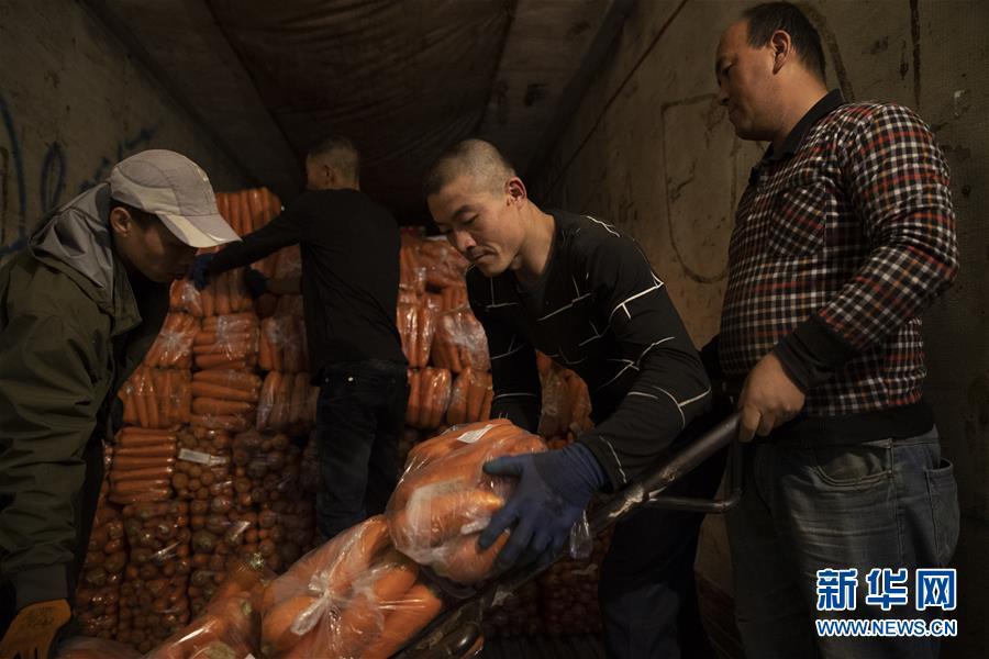 (经济)(2)黑龙江绥芬河:对俄果蔬出口忙