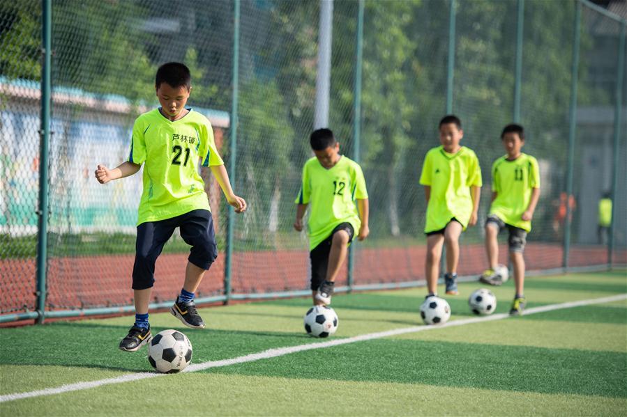 全国青少年校园足球总结活动_足球社团及足球队的简介_足球社团活动总结