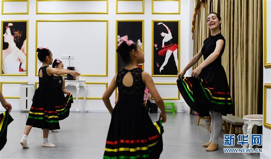 (社會)(2)海南三亞:學芭蕾 度暑假