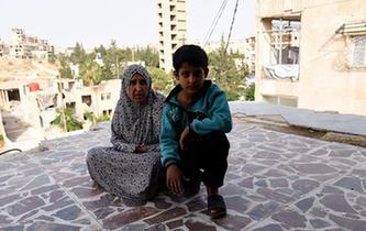 上學夢何處安放——敘利亞女孩阿明娜的危樓生活