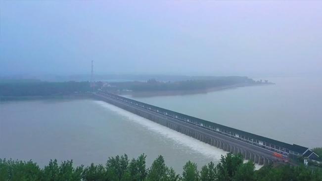 壯觀!江蘇三河閘開閘泄洪