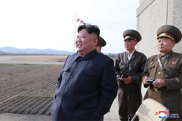 刺杀金正恩下载_金正恩突击视察朝鲜人民军部队